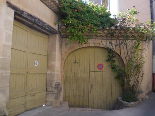 la maison de Camus dans le village de Lourmarin - juillet 2008.JPG